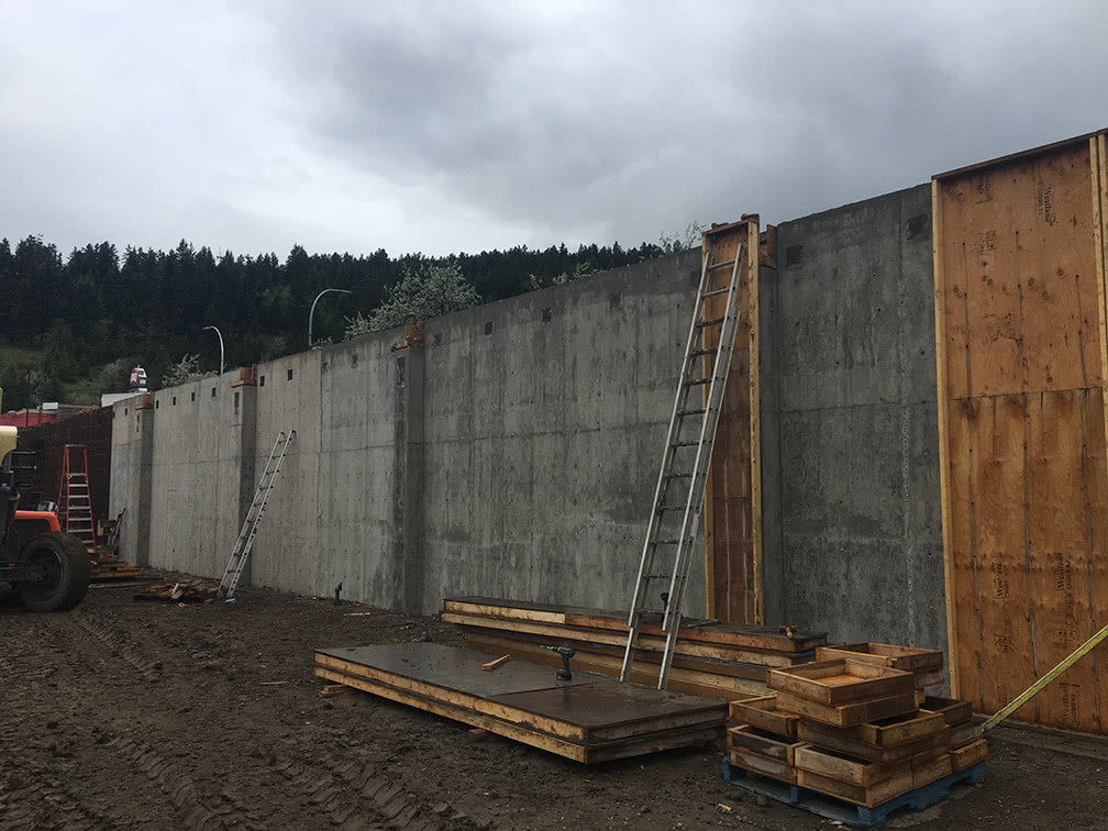 Kamloops property – concrete wall